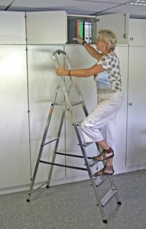Лестница стремянка Solidy 6 ступеней купить на выгодных условиях в Нижнем Новгороде