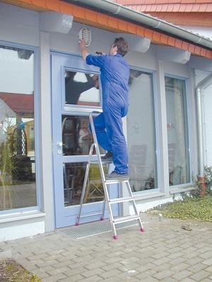 Лестница стремянка Corda 4 ступени купить на выгодных условиях в Нижнем Новгороде