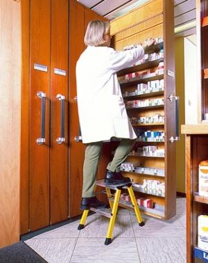 Лестница стремянка Rolly 2 ступени купить на выгодных условиях в Нижнем Новгороде