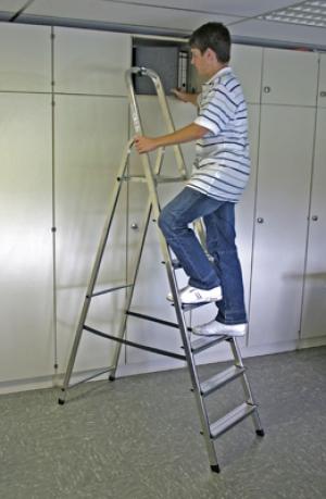 Лестница стремянка Solidy 7 ступеней купить на выгодных условиях в Нижнем Новгороде