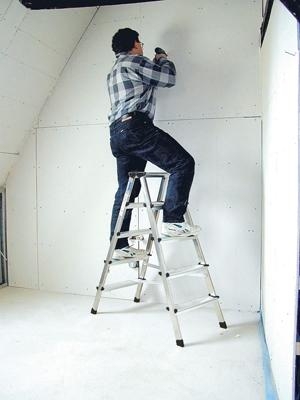 Лестница стремянка купить на выгодных условиях в Нижнем Новгороде
