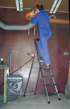 Лестница стремянка Solidy 5 ступеней купить на выгодных условиях в Нижнем Новгороде